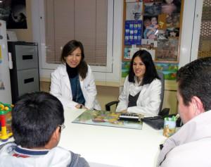 Carmen Millan, pediatra y Mari Llopis, peq