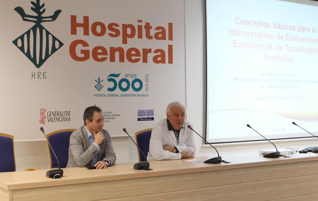De izq. a dcha. Miguel Angel Casado y Enrique Ortega, director-gerente CHGUV