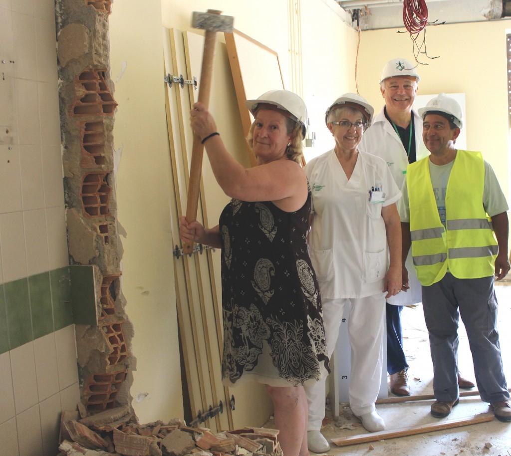 Familiar de un paciente ayuda obras habitaciones
