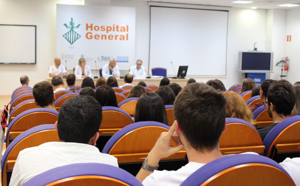 2016 09 19 Mesa y vistas 2 alumnos de sexto medicina HGUV