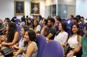 2016 09 19 alumnos de sexto medicina en el salon de actos HGUV