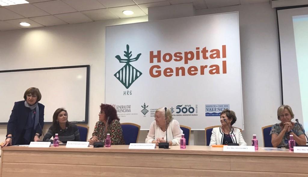 Foto de la sesion mujeres y Microbiologia HG