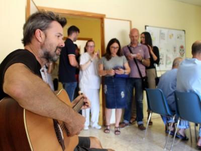 Pau Dones microconcierto